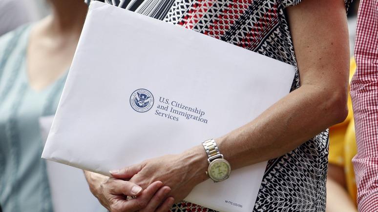 SCMP: коммунистам гражданство не давать — США ужесточают иммиграционные законы