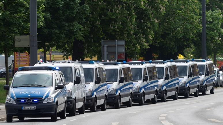 N-TV: играли в войну — немецкой полиции пришлось вывозить грузовиками изъятое при обыске оружие