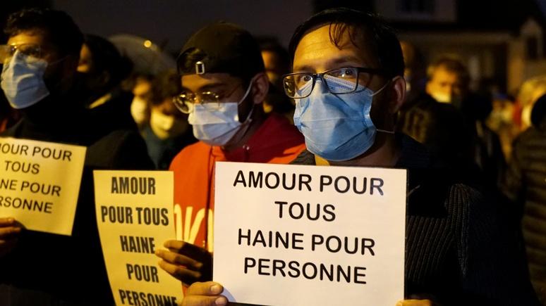 France 24: ислам тут ни при чём — власти Франции обвинили в радикализации людей соцсети