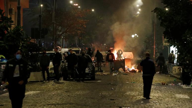 Times: ультраправые и мафия объединились против «диктатуры здравоохранения» в Неаполе