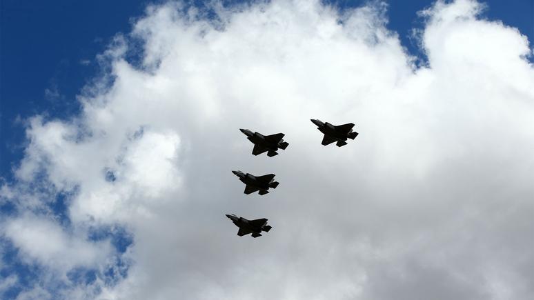 Forbes: 400 истребителей F-35 может быть недостаточно для войны с Россией