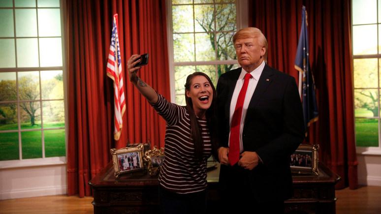 Independent: Музей мадам Тюссо отметил победу Байдена, отправив Трампа из Белого дома на поле для гольфа