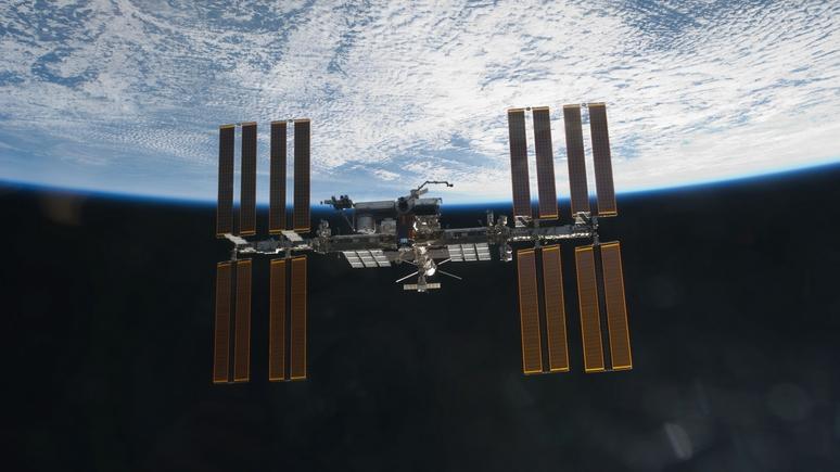Space.com: Crew Dragon впервые доставил на МКС экипаж из 4 астронавтов