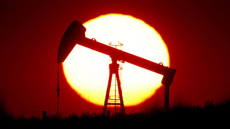 Handelsblatt: если страны ОПЕК не договорятся о сокращении добычи, цены на нефть снова рухнут