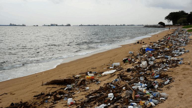 Guardian: никакого прогресса — ведущие мировые бренды вновь вышли в лидеры главных пластиковых мусорщиков планеты
