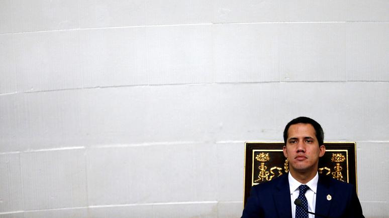 «Эта история окончена» — Times о политическом будущем Гуаидо в Венесуэле