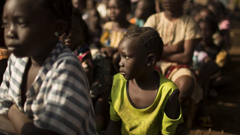Le Figaro: потерянное поколение — благотворителей призвали помочь вернуть в школы детей из бедных стран