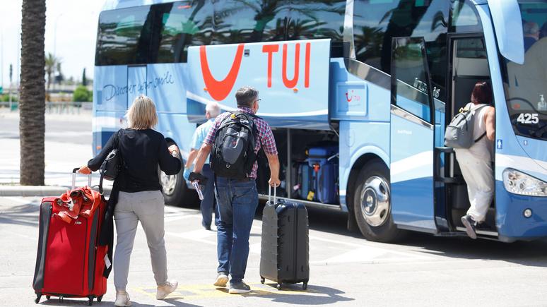 N-TV: в целях борьбы с COVID-19 жителям Майорки запретили общаться в общественном транспорте