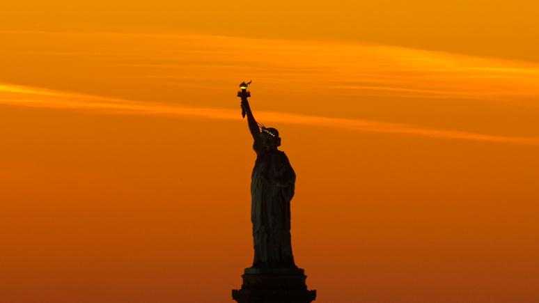 Не делать глупостей: Bloomberg о переменах во внешней политике США при Байдене