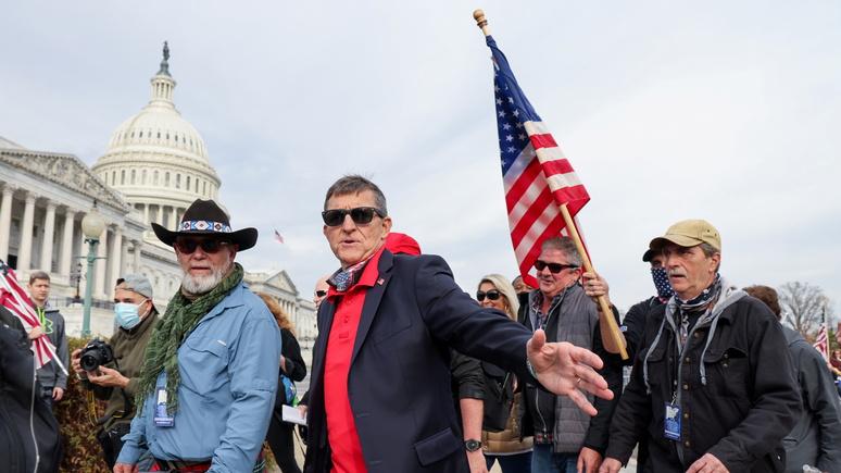Hill: две трети американцев убеждены, что США движутся в «неправильном направлении»