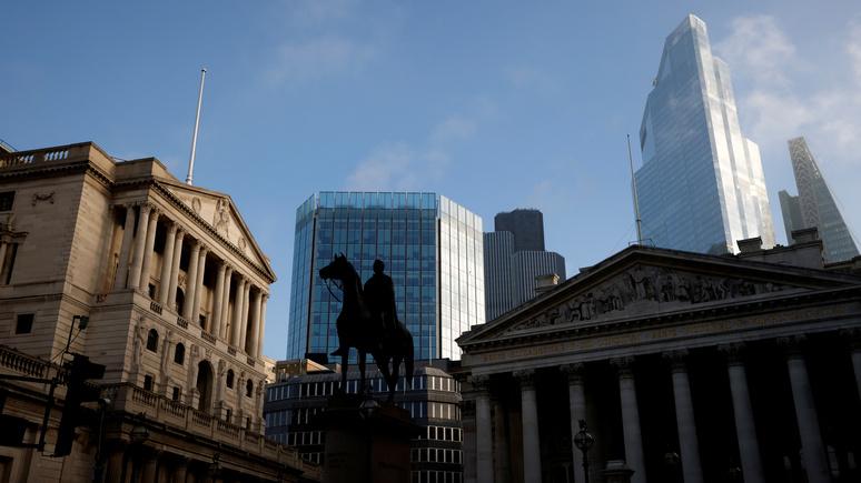 Independent: в центре Лондона демонтируют статуи двух политиков-рабовладельцев