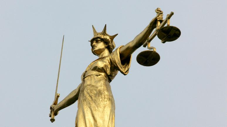 DM: не доплачивают из-за пола и цвета кожи — белый чиновник обвинил британские власти в дискриминации