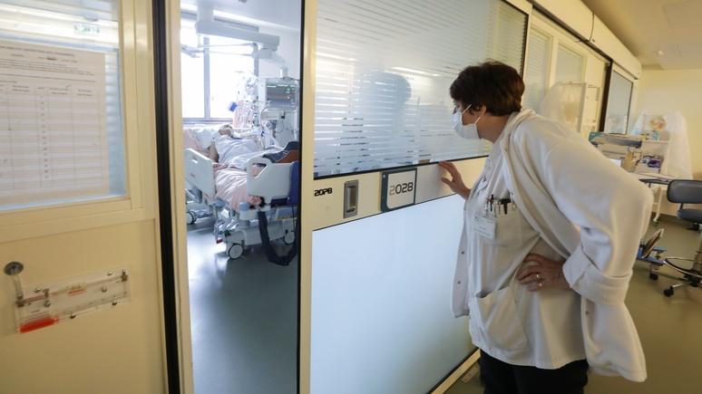 Guardian: эксперты перевели потери от коронавируса на показатель потерянных лет жизни
