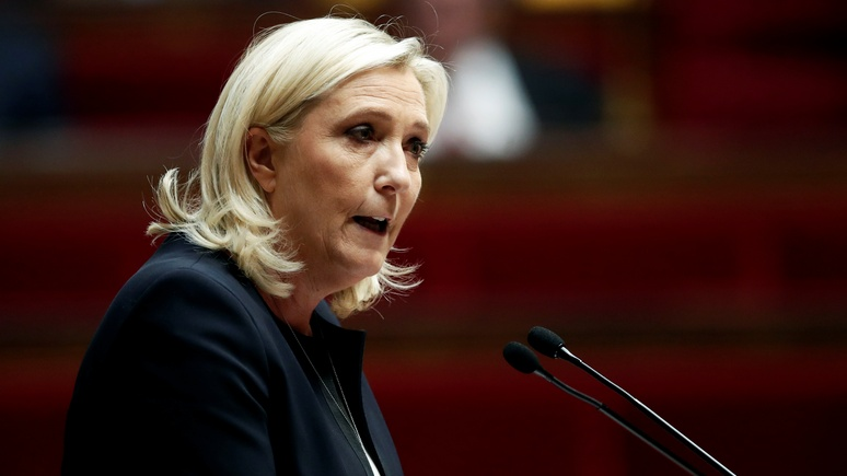 FAZ: кризис доверия к Макрону повышает шансы Ле Пен стать президентом Франции