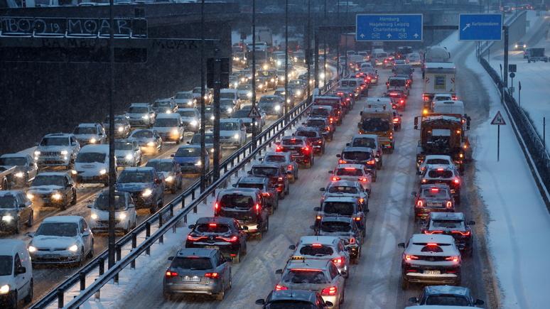 SZ: «город выстроен вокруг автомобиля» — активисты намерены освободить центр Берлина от машин