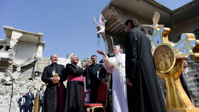 SZ: голубь мира среди руин — Папа Римский посетил разрушенный террористами Мосул