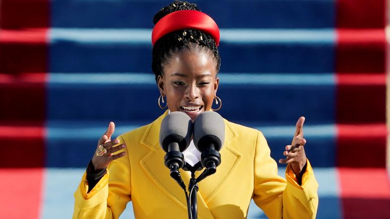 Guardian: переводчик стихотворения темнокожей поэтессы не устроил заказчиков полом и расой