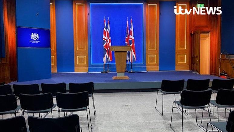 Times увидела «российский след» в ремонте зала для пресс-конференций Джонсона