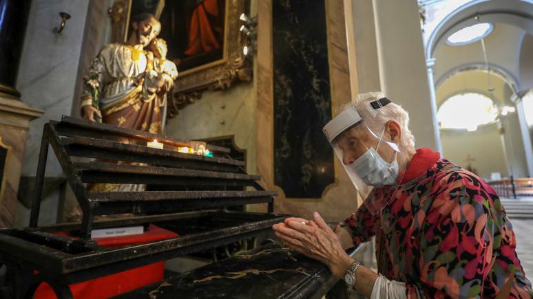 Le Parisien: «церковь не больница» — католики-традиционалисты возмутились ПЦР-тестами во французском соборе
