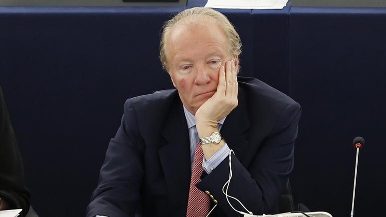 «Я думал, всё легально»: экс-глава МВД Франции рассказал о том, как его обманом заманили в подпольный ресторан