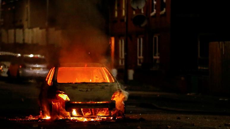 Guardian: Джонсон отказался созывать экстренный саммит по беспорядкам в Северной Ирландии