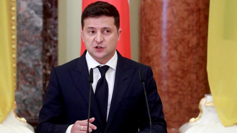Обозреватель: Зеленский заявил, что Украина не может бесконечно «оставаться в прихожей» ЕС и НАТО