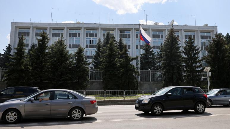 Bloomberg: Болгария вслед за Чехией связала российскую разведку со взрывами на оружейных складах