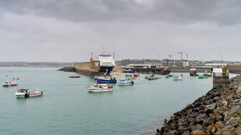 Le Monde: «договариваться должны дипломаты» — французские рыбаки заканчивают протест в Ла-Манше