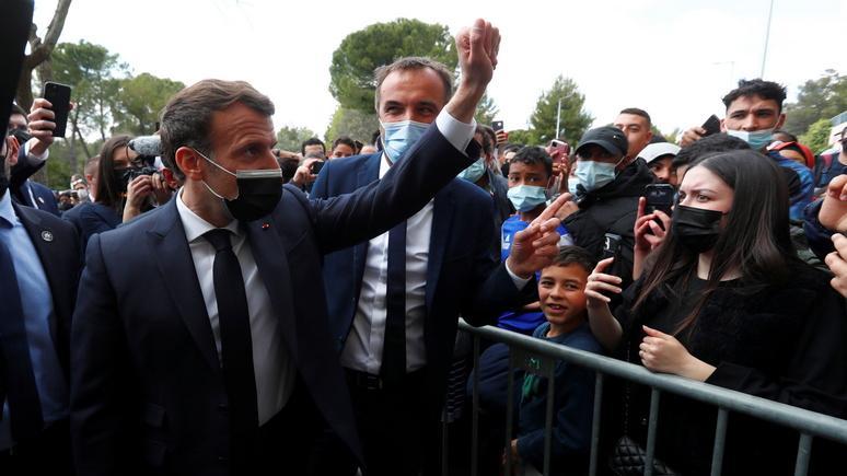 Le Figaro: Макрон уехал, наркодилеры остались — визит президента не помог бедному кварталу Монпелье победить преступность
