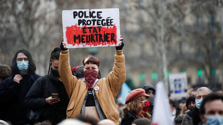 Эксперт: «не учат, а проповедуют» —  университетские преподаватели разжигают ненависть французов к полиции