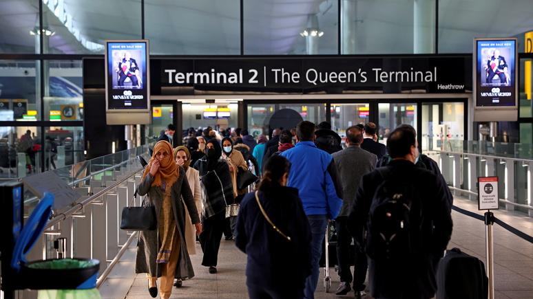 Guardian: правила въезда всё жёстче — европейцев без виз в Британии начали задерживать и высылать