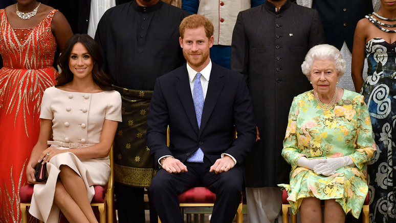 Daily Mail: «великодушный жест королевы» — Елизавета II пригласила принца Гарри на обед