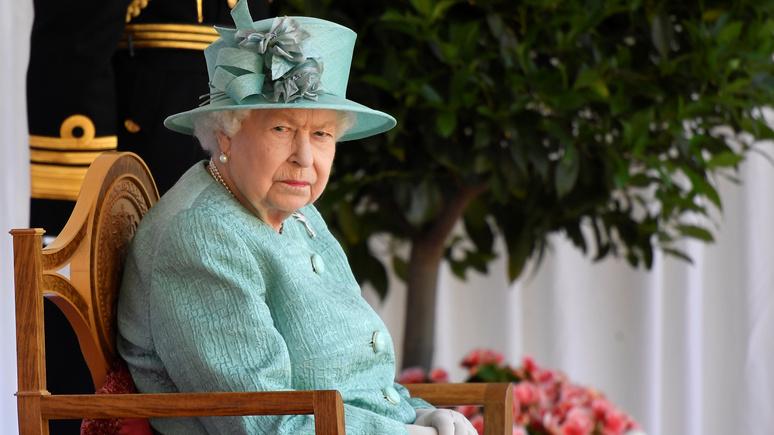 DT: символ «недавней колониальной истории» — студенты Оксфордского университета решили снять портрет Елизаветы II