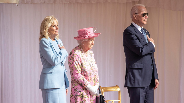 CNN: «напомнила маму» — Байден встретился с королевой Елизаветой II