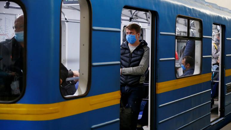 24 канал: киевское метро спрячет от пассажиров таблички «Сделано в России»