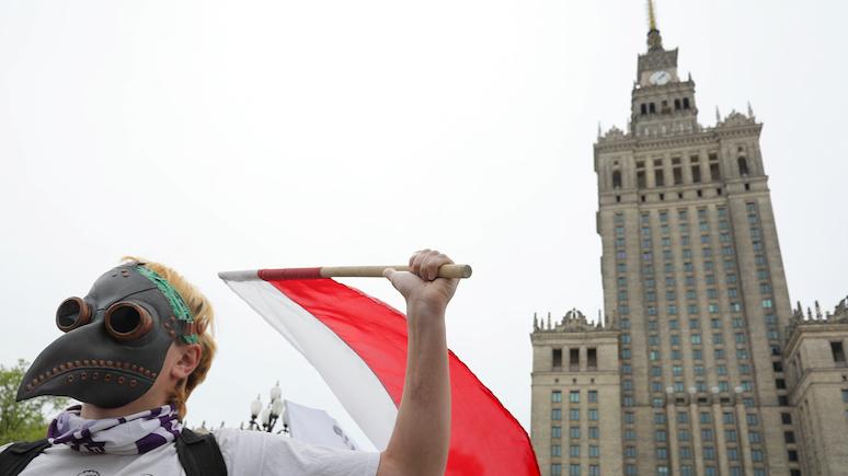 Экс-министр обороны Польши: цель Москвы — ослабить Варшаву и превратить её в «полезного идиота»
