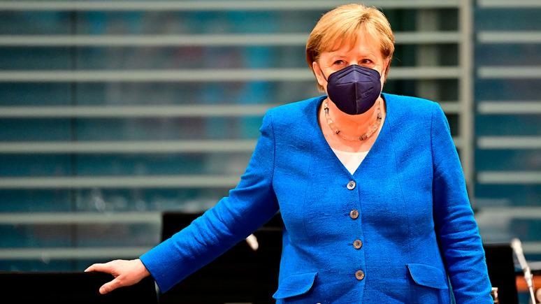 Le Monde: Меркель уходит с европейской сцены на фоне двух дипломатических провалов