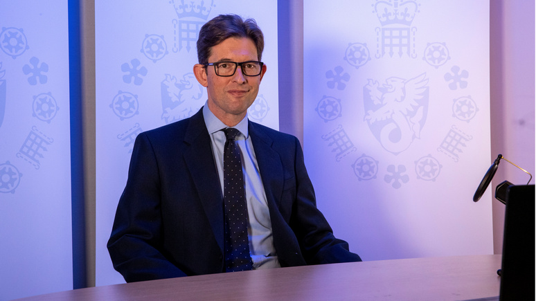 Guardian: «должны быть начеку» — глава MI5 призвал британцев к бдительности из-за угрозы со стороны России и Китая