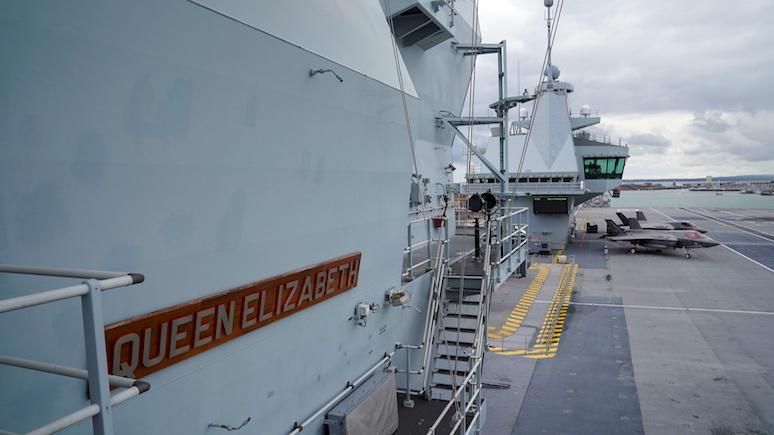 Times: на флагманском авианосце британского флота произошла вспышка коронавируса