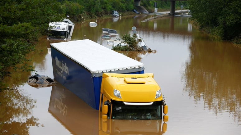 N-TV: режим военной катастрофы — спасаться от наводнения немцам помогают сотни солдат бундесвера