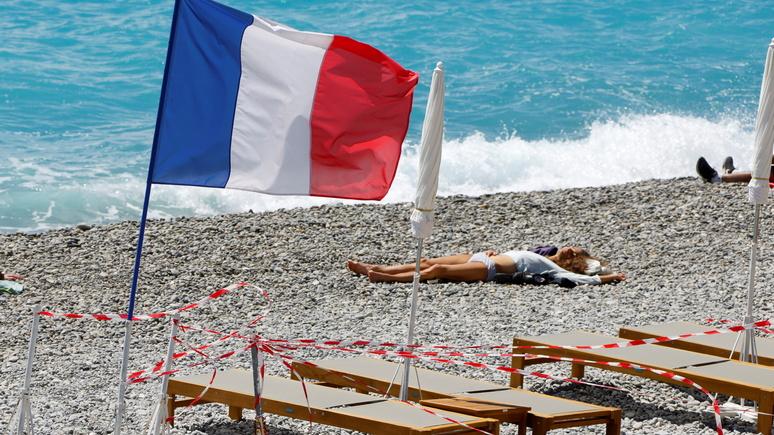 Le Figaro: отменять или нет, вот в чём вопрос — французы ломают голову, что делать с планами на лето