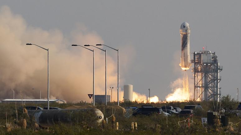 Bloomberg: самый лучший день — Безос о своём полёте в космос