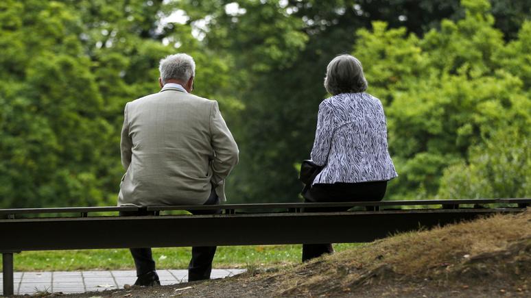 Guardian: «хуже, чем одиночество» — онлайн-общение не помогло пожилым британцам справиться с изоляцией в пандемию