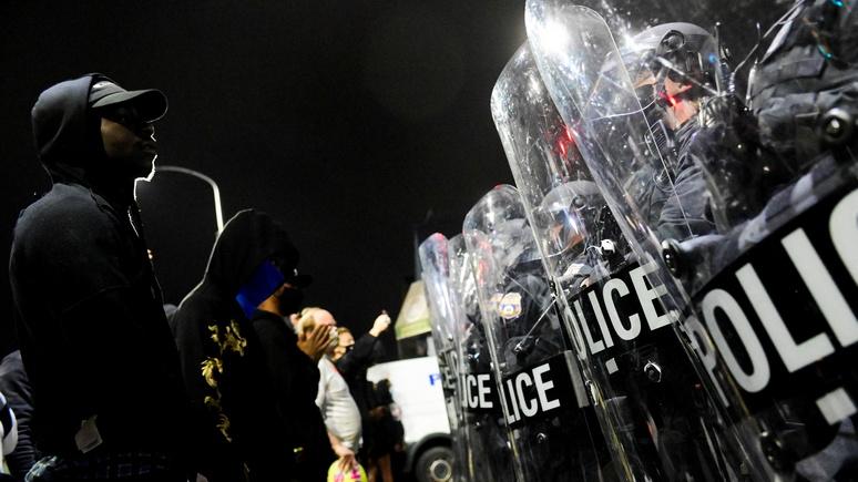 National Interest: отказ финансировать полицию приведёт США в неофеодализм