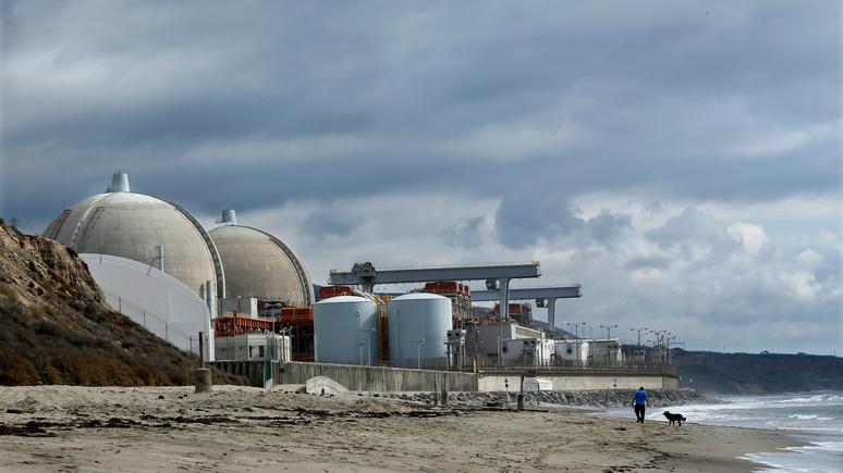 Guardian: политические распри превратили калифорнийский пляж в хранилище ядерных отходов