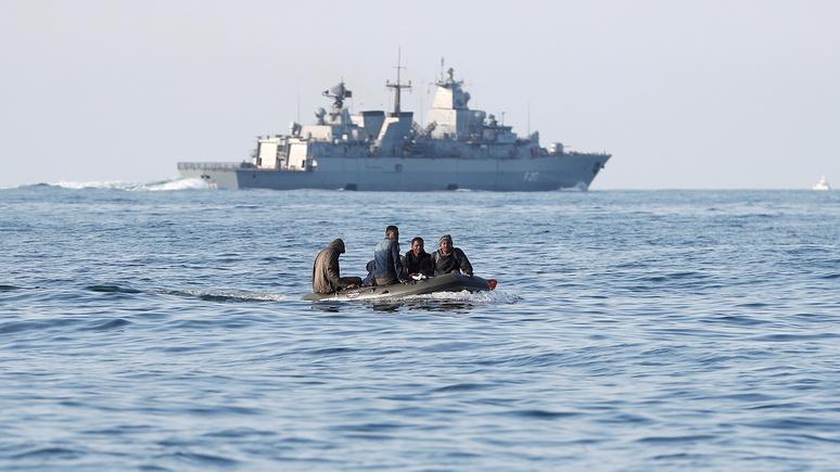Times: Париж недоволен «финансовым шантажом» Лондона и планами разворачивать лодки мигрантов обратно во Францию
