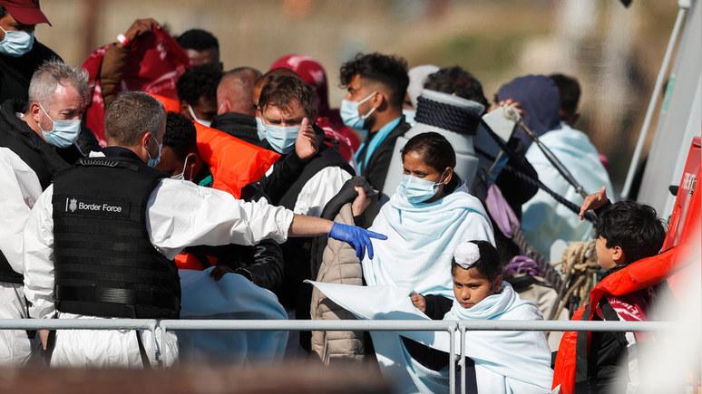 Daily Telegraph: Великобритания заплатит миллионы, чтобы удержать мигрантов во Франции