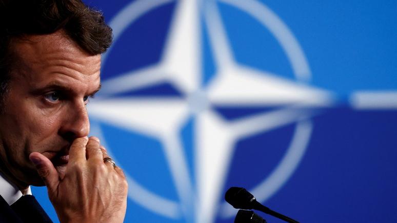 Вплоть до выхода из НАТО — Le Figaro изучила возможности Франции после ссоры с США из-за подлодок