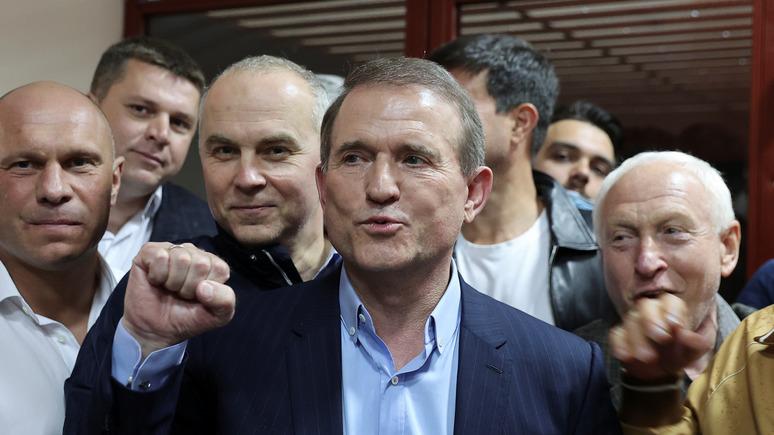 Корреспондент: украинская прокуратура обжалует меру пресечения для Виктора Медведчука