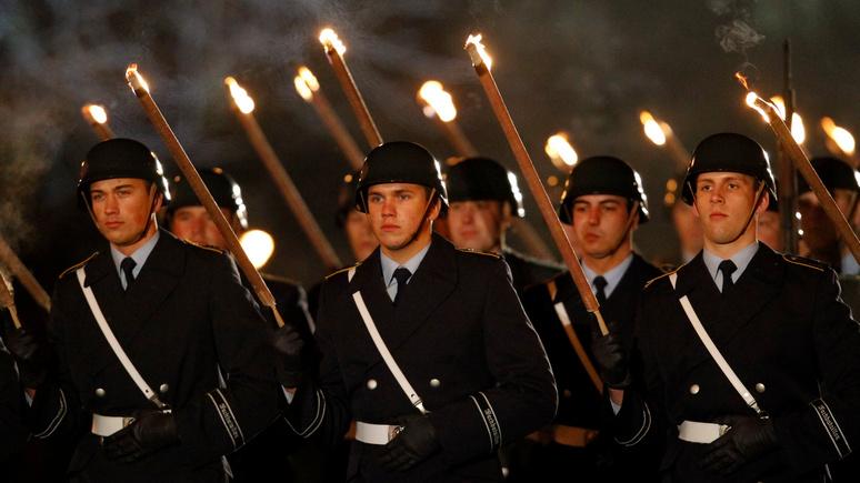 Die Welt: факельное шествие немецких солдат перед бундестагом понравилось не всем